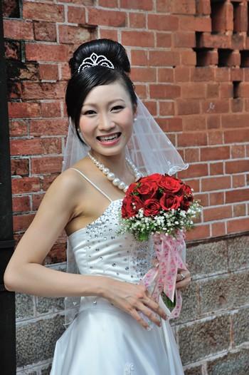 Comment bien choisir ses accessoires de coiffure de mariage?