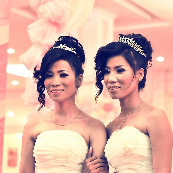 Chignon de mariage jumelles