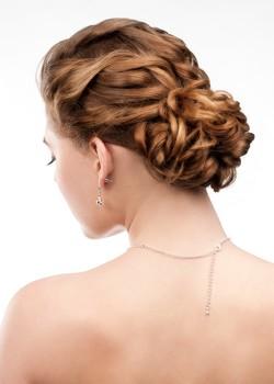 Les coiffures de mariage pour cheveux courts
