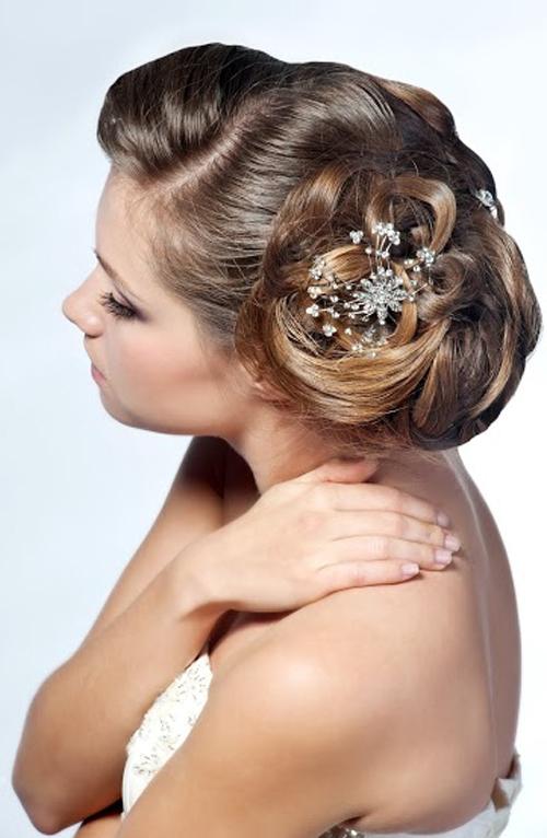 Et si le chignon était votre coiffure de mariage en 2015 ?